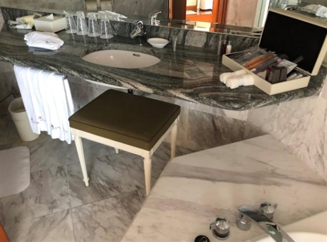 オキナワマリオットリゾート&スパの洗面台