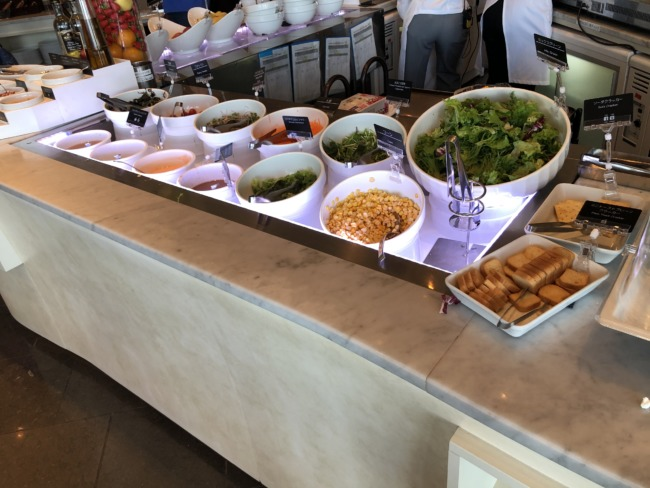 名古屋マリオットアソシアホテル ブッフェレストランのサラダ