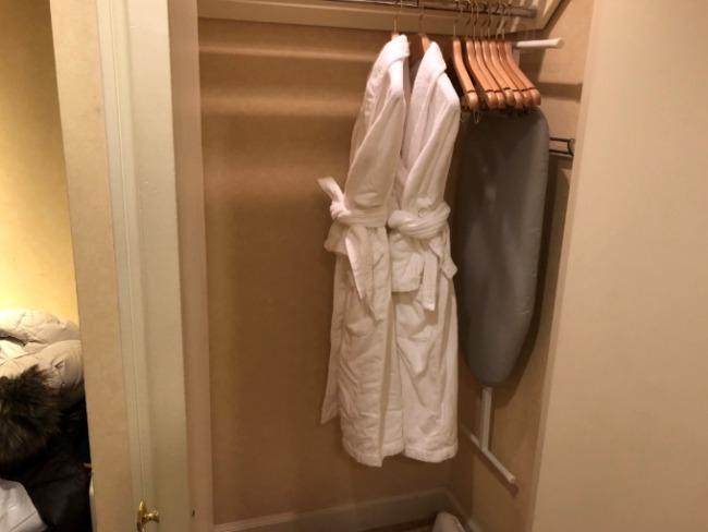 名古屋マリオットアソシアホテルのバスローブ