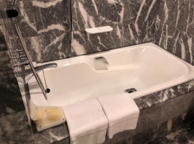 神戸ベイシェラトンの浴槽
