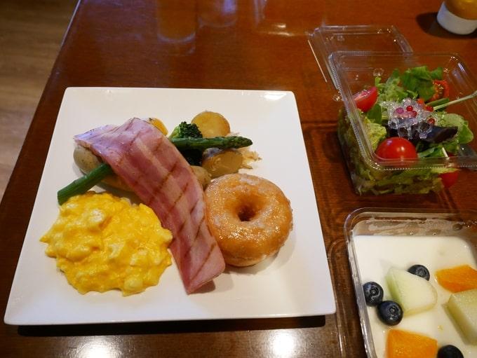 軽井沢マリオットホテルの子供用の朝食プレート